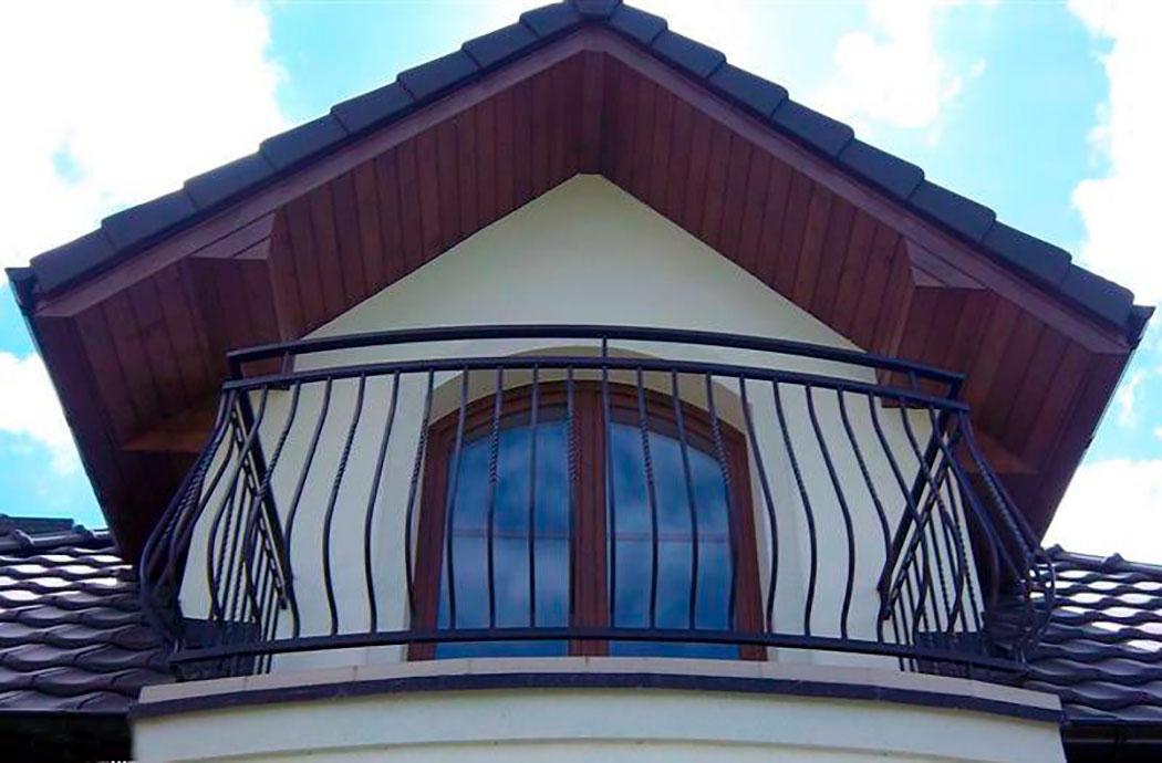 Строительство дома 214м2, вид на мансардное окно