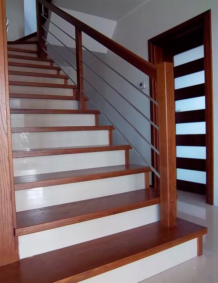Строительство дома 214м2, вид на лестницу