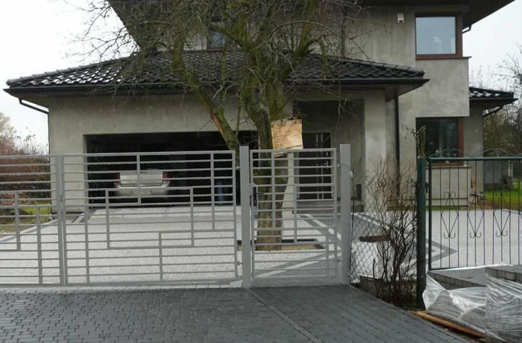 Строительство двухэтажного дома, площадью 181 м2, вид на гараж