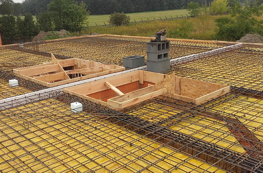 Строительство двухэтажного дома, площадью 250 м2, заливка плиты 2-го этажа