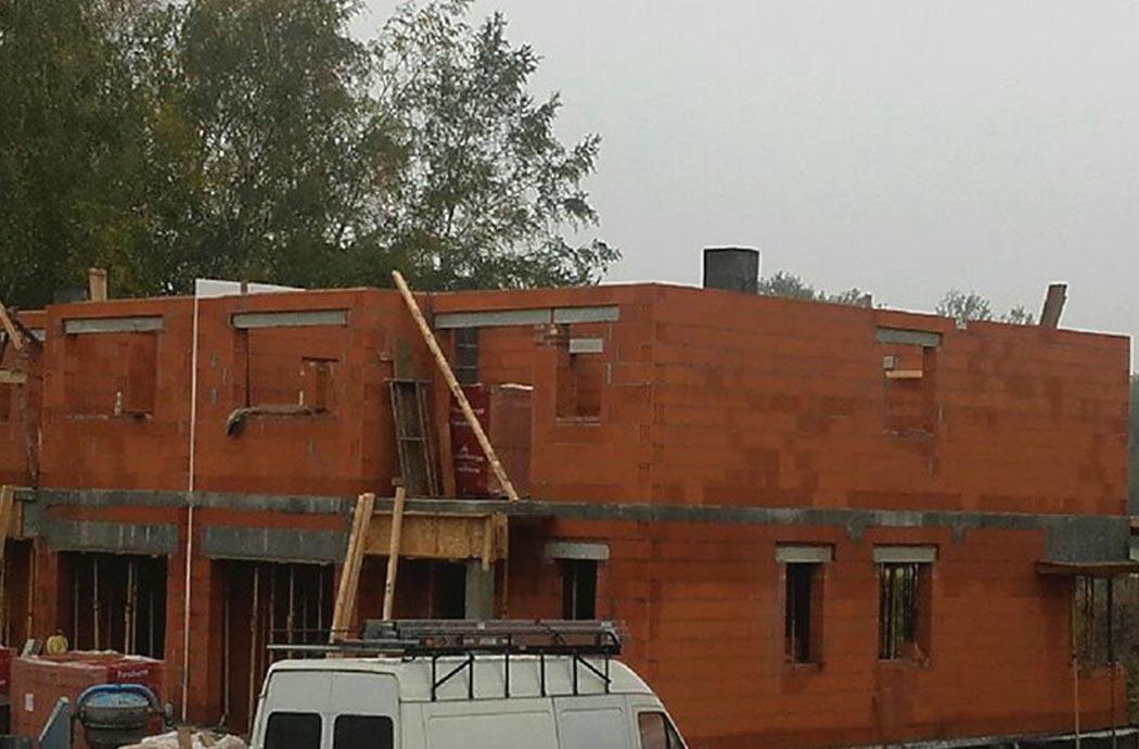 Строительство двухэтажного дома, площадью 250 м2, перед заливкой армопояса