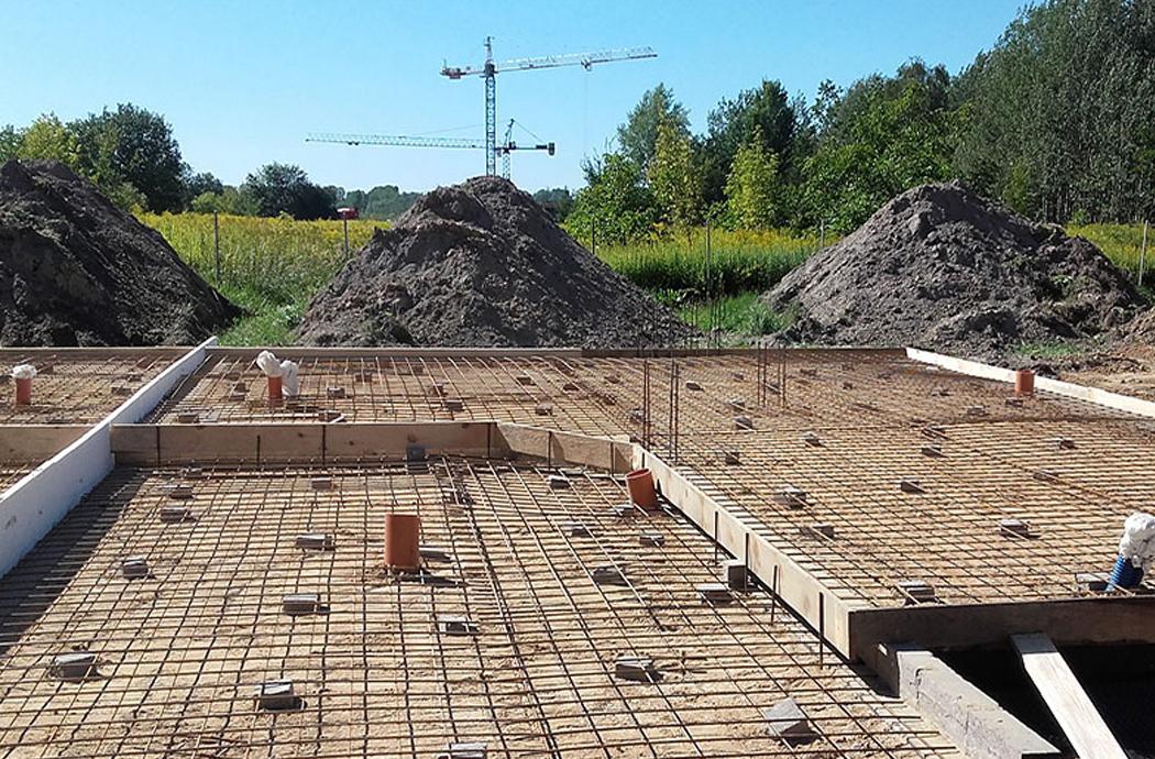 Строительство двухэтажного дома, площадью 250 м2, заливка фундамента