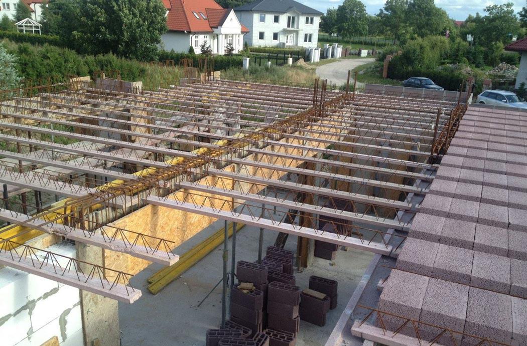 Строительство одноэтажного дома, площадью 278 м2, этап строительства второго этажа