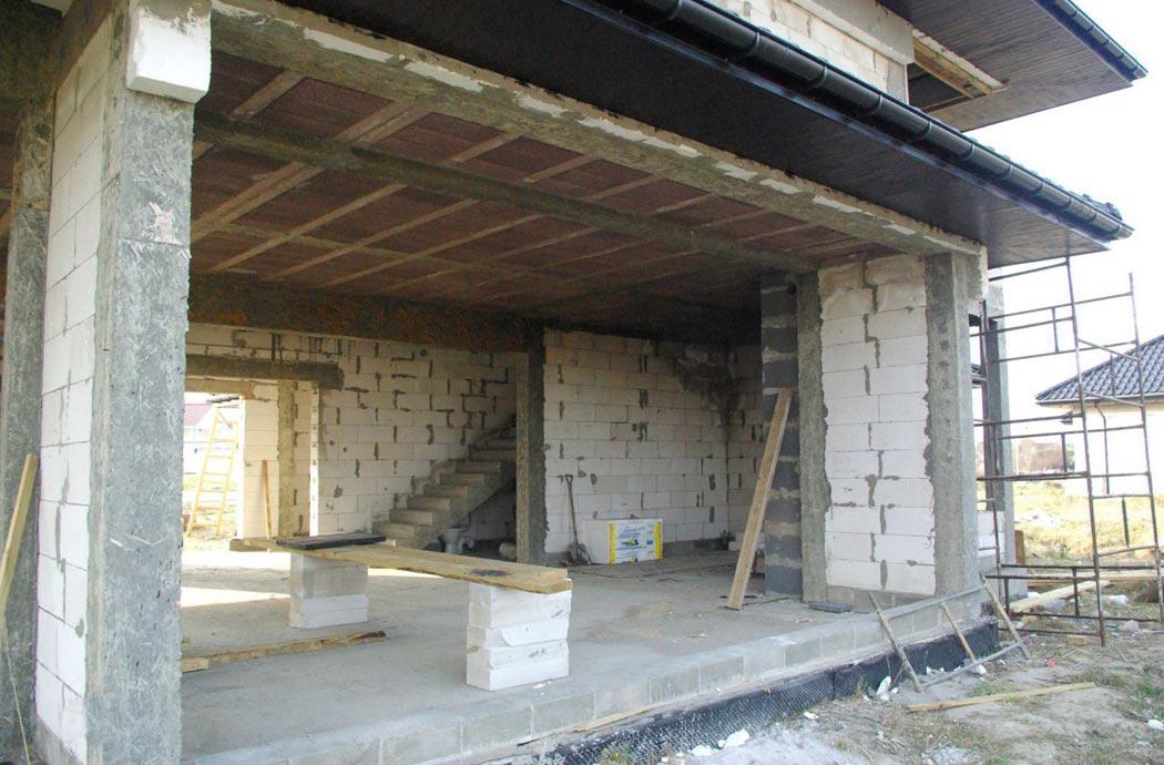 Строительство одноэтажного дома, площадью 278 м2, этап строительства первого этажа