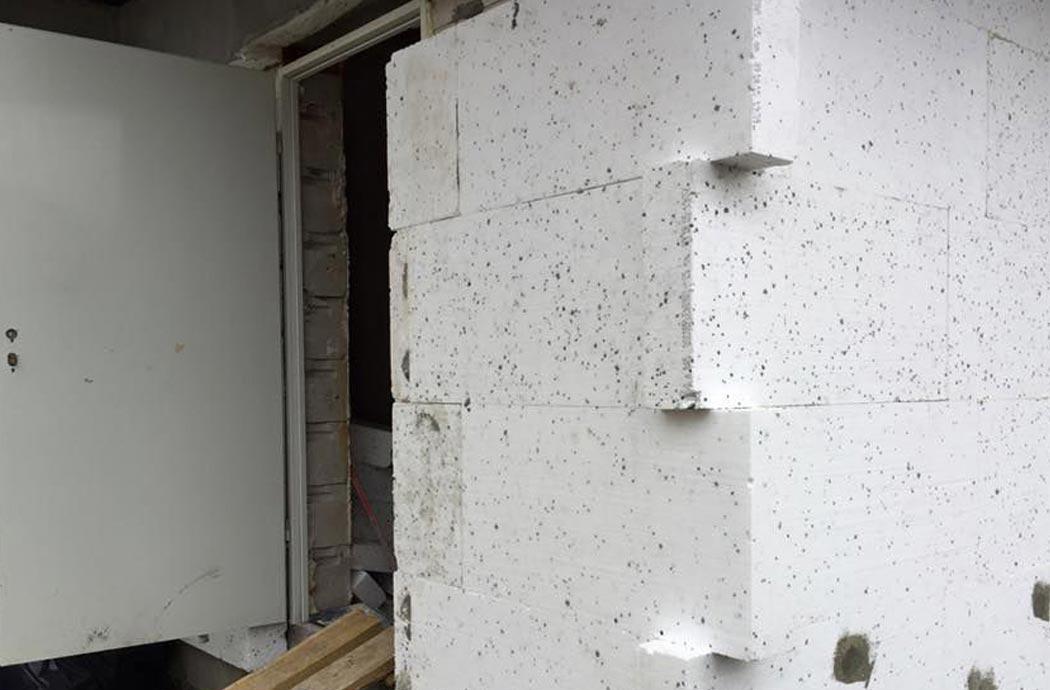 Строительство одноэтажного дома, площадью 278 м2, утепление