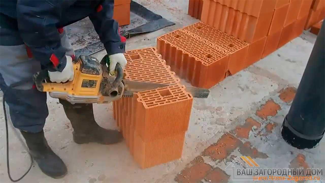Кладка керамических блоков porotherm, чем резать блоки